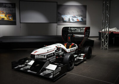 Formula-Student TU Darmstadt Roll_Out_Sponsoring_Herth+Buss