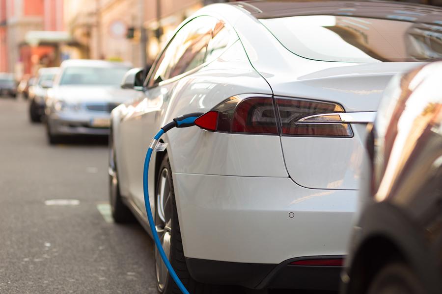 Elektromobilitaet_Ladekabel_Elektrofahrzeug_NRGkick_Elparts_HerthBuss