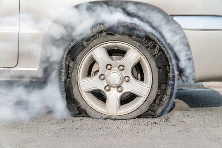 So erkennst du einen kaputten Reifen