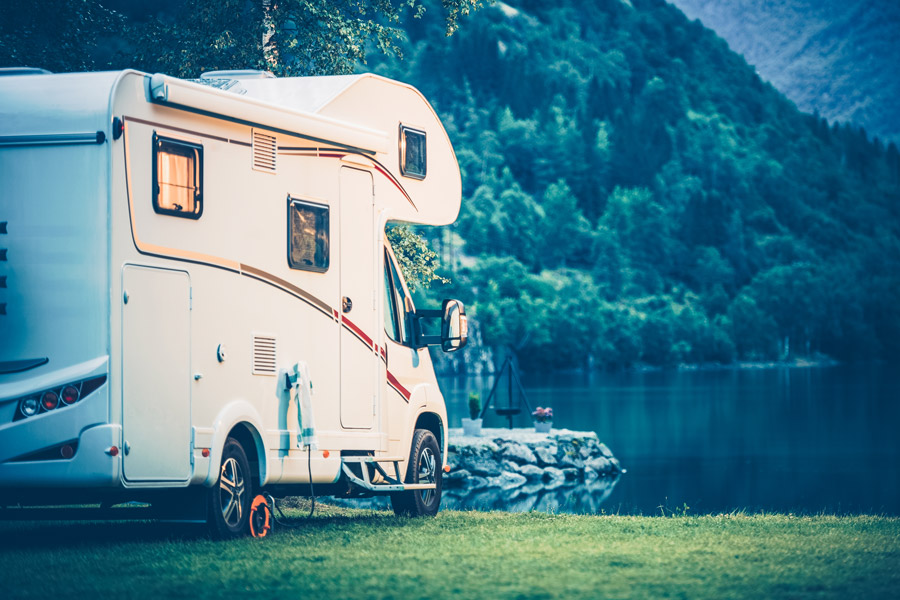 On the road for the first time with a mobile home, camper or caravan? Preparation is half the job!