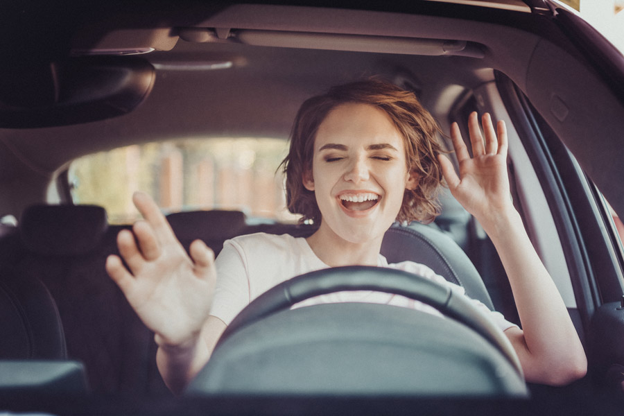 Survey: How do people drive in Germany – and what do drivers do secretly behind the wheel?